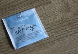 """""""BALD MAMI""""-Tee, eine sehr gelungene Bezeichnung für einen Kräutertee."""